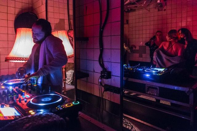 【最新版】フィリピンの人気ハウスミュージック・テクノDJ10選