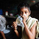 フィリピンのスラムの子供が使用するドラッグ【ラグビー】がヤバい