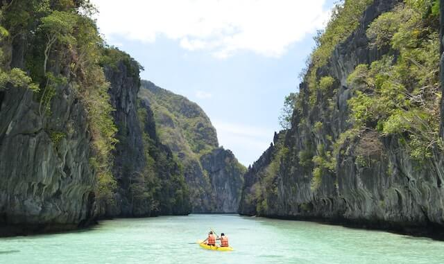 FKJとジューン・マリージーのフィリピン・パラワンの生活